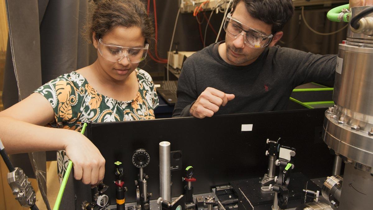 Leone lab members Aditi Bhattacherjee and Andrew Attar