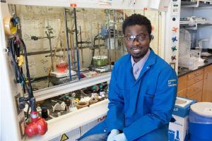 Richmond Sarpong in lab