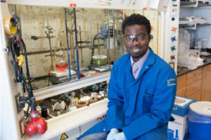 Richmond Sarpong in lab