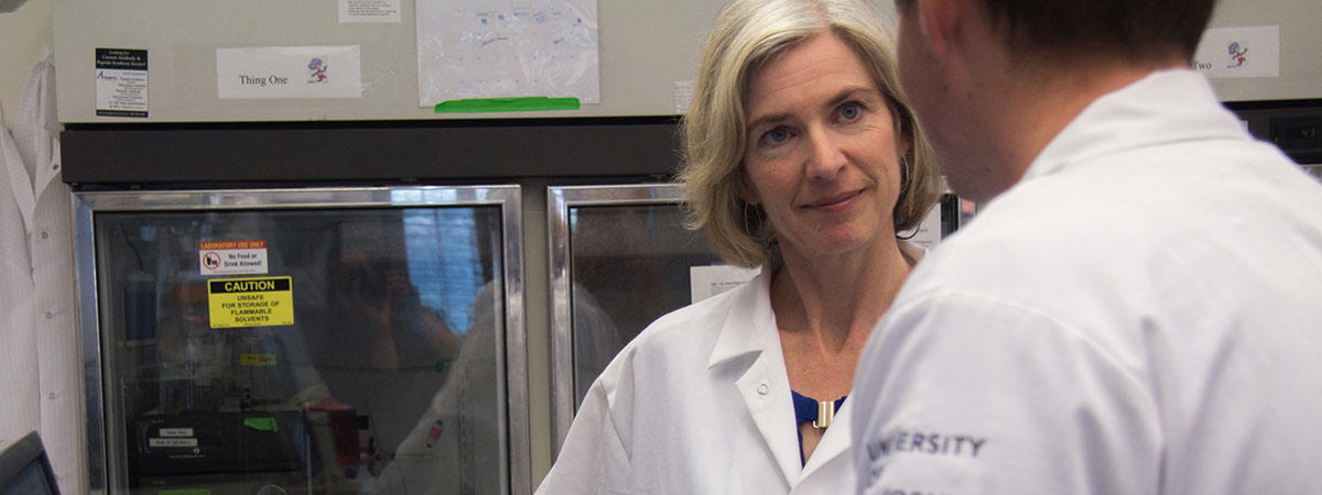 Jennifer Doudna and researcher in the lab
