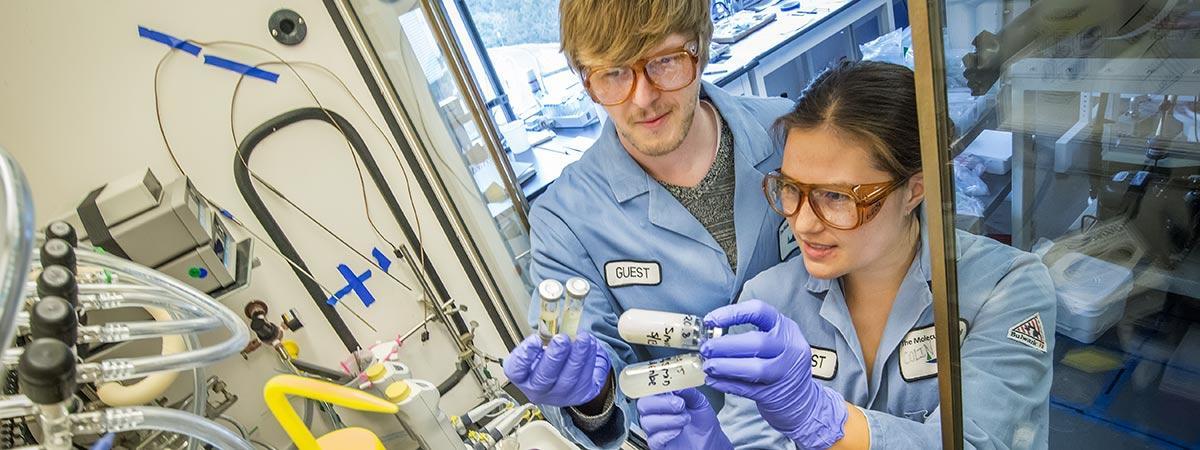 Raymond Weitekamp, Corinne Allen. Berkeley Lab Molecular Foundry