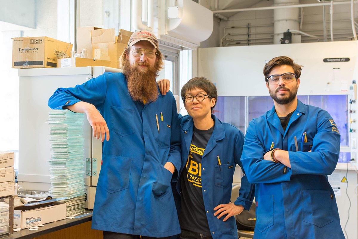 Research team, lab Richmond Sarpong