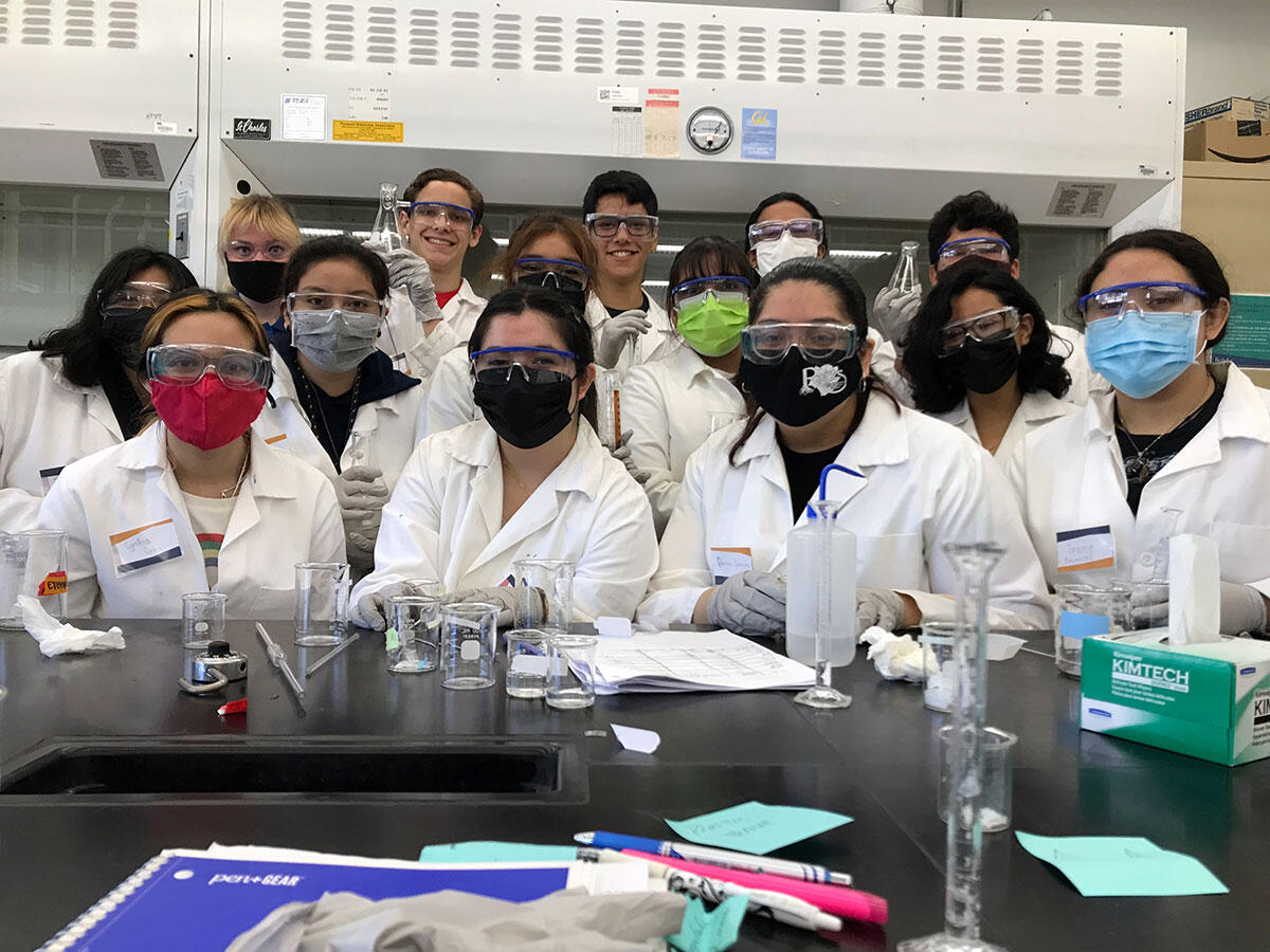 Summer Bridge students in the lab
