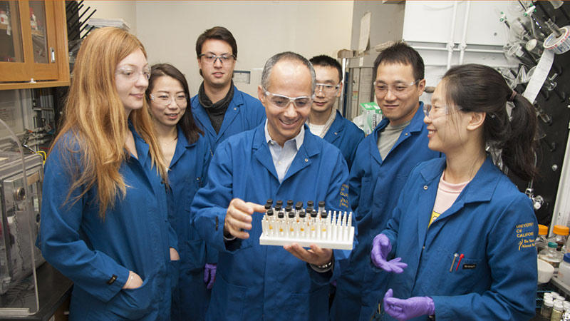 Omar Yaghi with the Yaghi Research Group