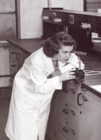 Darleane Hoffman in the Lab
