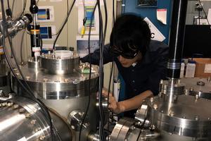 Tom Laser pulse takes snapshot of changing bonds