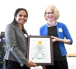 Varsha Desai receives Berkeley GSI Teacher award