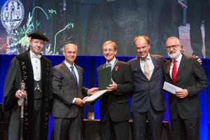 Professor Omar M. Yaghi receives the Albert Einstein World Award for Science